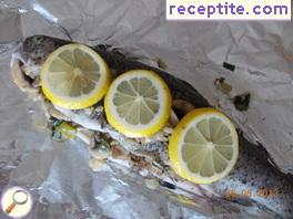 Trout with mushrooms and onions in foil