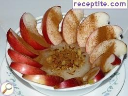 Apples with semolina