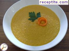 Raw carrot cream soup