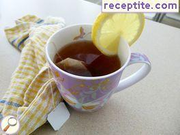 Black tea with lemon juice