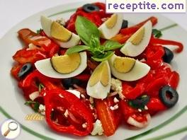 Summer salad with sautéed peppers