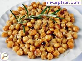 Chickpeas with caramelized onions and rosemary