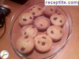 Vanilla muffins with chocolate chips