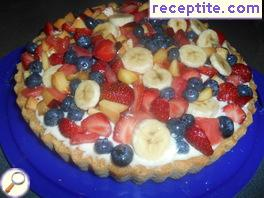Tart with fresh fruit