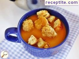 Pumpkin soup with balls