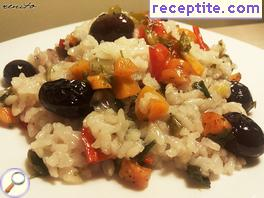 Rice with peppers and olives