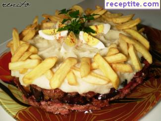Layered cake of minced meat