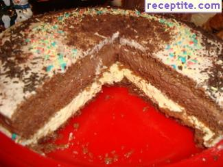 Layered cake with cream and ready base