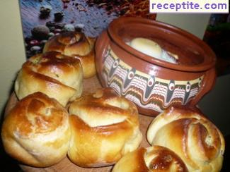 Buns with aromatic butter