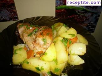 Chicken legs with potatoes in the oven